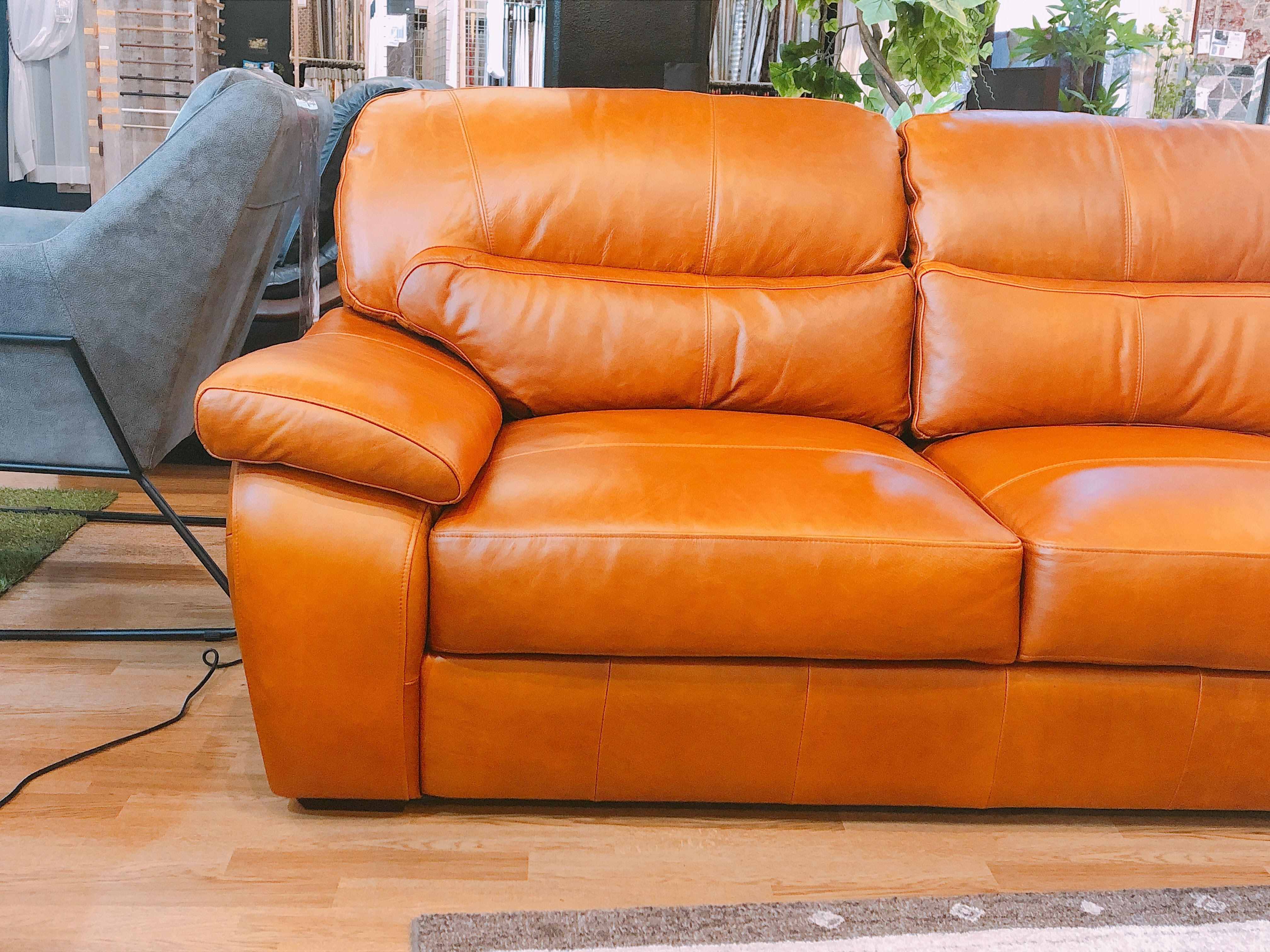 総革張り3人用ソファー メーカー放出品3台限りの画像3
