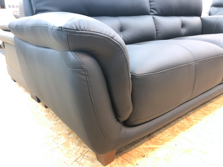 厚めの人工レザー仕様のゆったり3人掛けソファー 座にポケットコイル仕様 限定価格の画像6