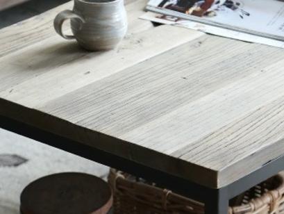 ニレ古材とスチールのコンパクト コーヒーテーブルの画像2