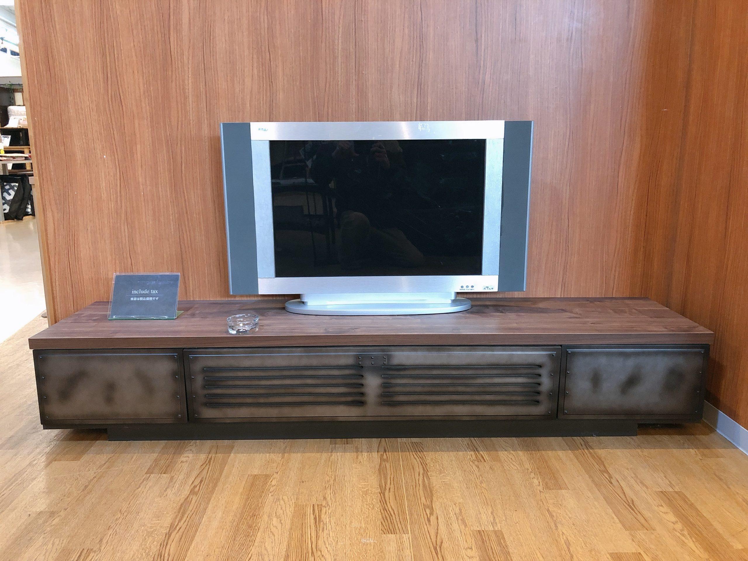 ビンテージ感満載の180㎝巾テレビボード 1本限定の画像1